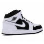 Nike Air Jordan 1 Retro High White (белые с черным)